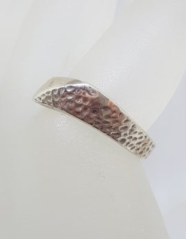 Sterling Silver Curved Patterned Band Ring - Gents / Ladies - Vintage