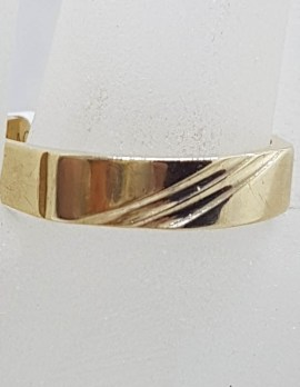 9ct Yellow Gold Rectangular Gents Striped Band Signet Ring