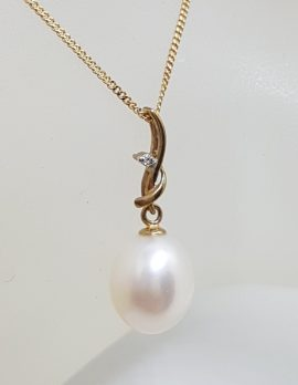 9ct Yellow Gold Pearl Drop on Diamond Twist Pendant on Gold Chain