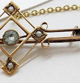9ct Yellow Gold Aquamarine and Seedpearl Bar Brooch - Antique / Vintage
