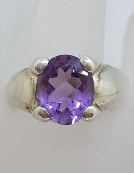 Sterling Silver Oval Amethyst in Wide Band Setting - Vintage