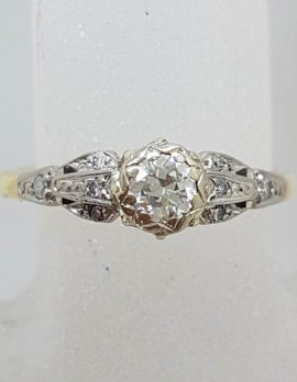 18ct Yellow Gold with Platinum Round Diamond in Ornate Setting Ring - Antique / Vintage - Engagement Ring / Dress Ring
