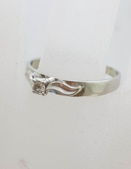 9ct White Gold Claw Set Solitaire Diamond with Leaves on Side Ring - Antique / Vintage - Engagement Ring