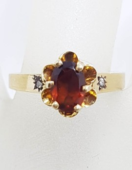 9ct Yellow Gold Oval Garnet with 2 Diamonds in a Flower Design Ring - Antique / Vintage