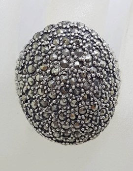 Sterling Silver Very Large Oval Marcasite Bulky and Heavy Ring with Patterned Sides