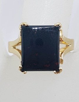 9ct Yellow Gold Large Rectangular Bloodstone Claw Set Vintage / Antique Ring