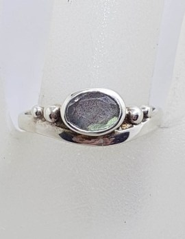 Sterling Silver Oval Labradorite in Curve Ring