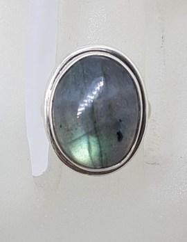 Sterling Silver Ovale Cabochon Cut Labradorite Ring