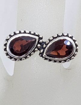 Sterling Silver Teardrop / Pear Shaped Garnet with Unusual Design and Patterned Sides Ring