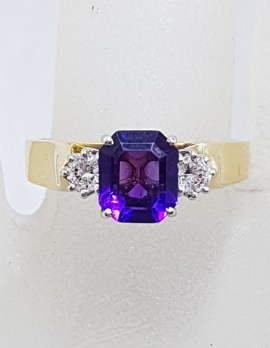 18ct Yellow Gold Stunning Rectangular Amethyst Claw Set and High Set Ring - Antique / Vintage