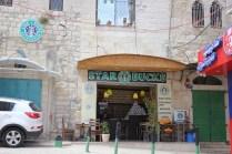 """Starbucks"" in Bethlehem - Man merkt, hier herrschen andere Gesetze"