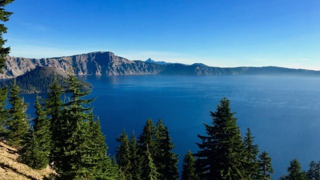 things to do near crater lake things to do around crater lake places to visit near crater lake attractions near crater lake places to see near crater lake things to see near crater lake