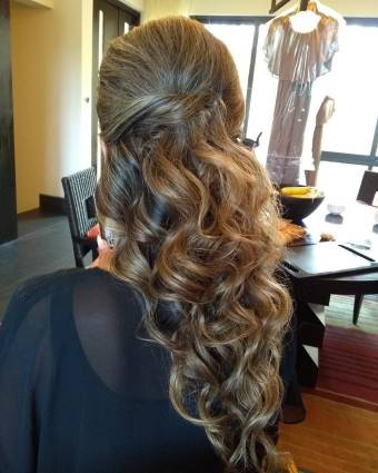 wedding hairstyle beach waves