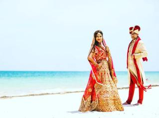 Shalene, indian bride and husband during photo session in Moon Palace, Cancun, Riviera maya.mexico