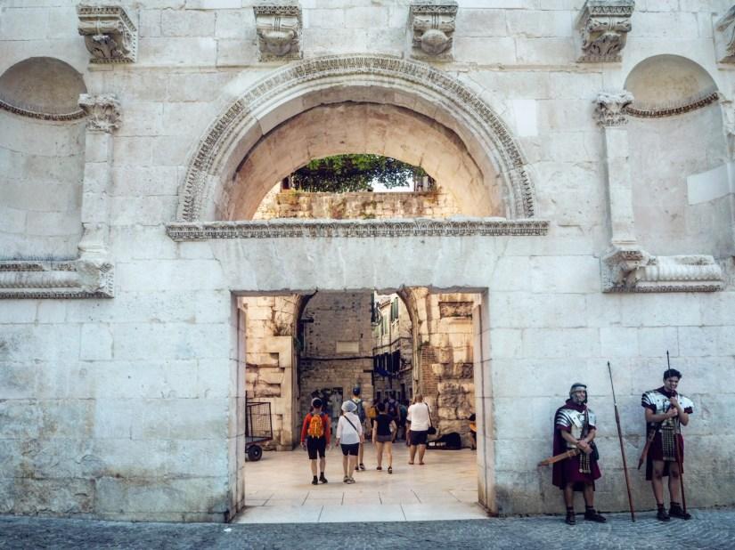 Roman soldiers outside Split's walls