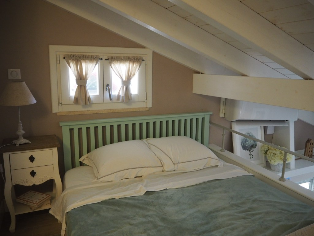 bed in Airbnb