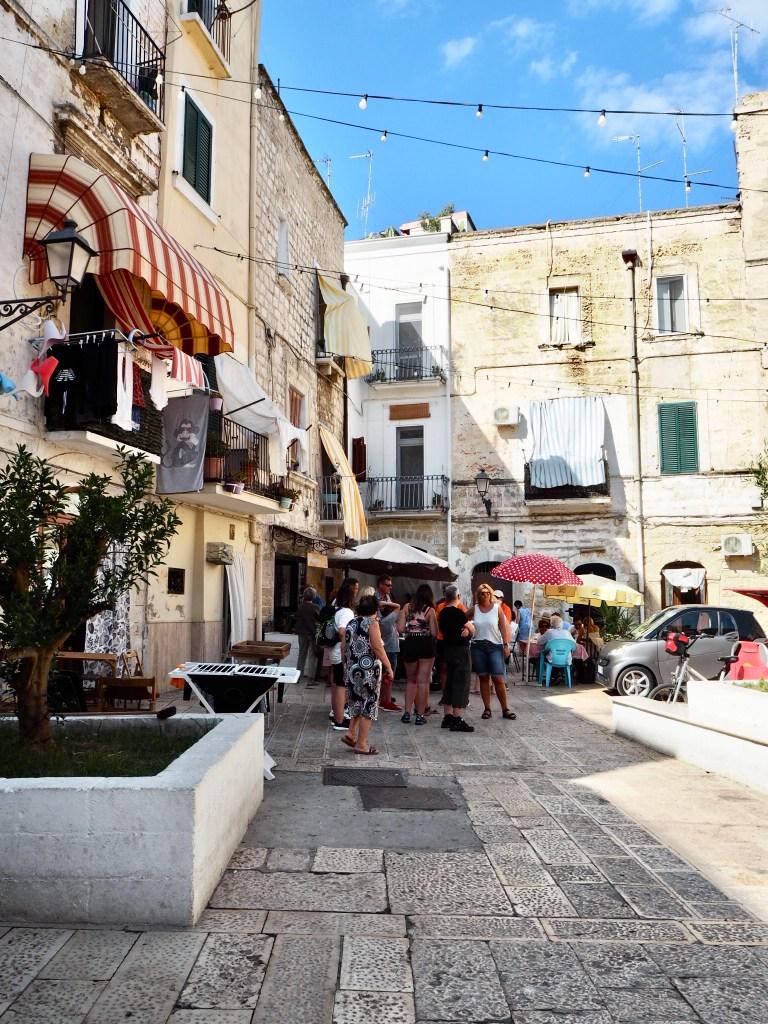 outside Maria delle Sgagliozze