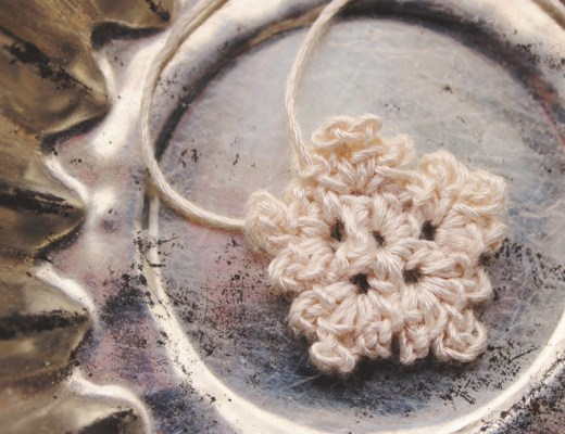 DIY small Crocheted Snowflake | Alex Inspired