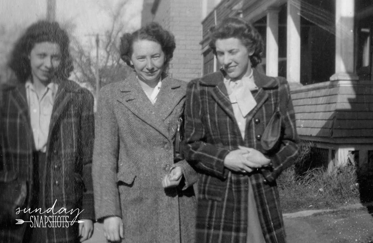 Glenna and her friends walking down the street, early 1940s | Alex Inspired