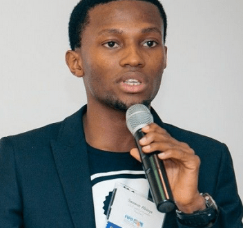 PASS.NG YOUNG BLOGGER IS DEAD