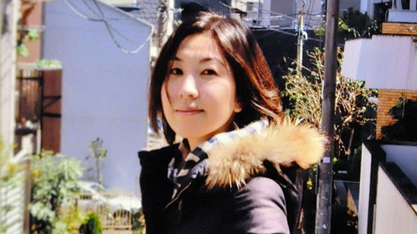 Beautiful Japanese reporter dies after 159 hours of overtime