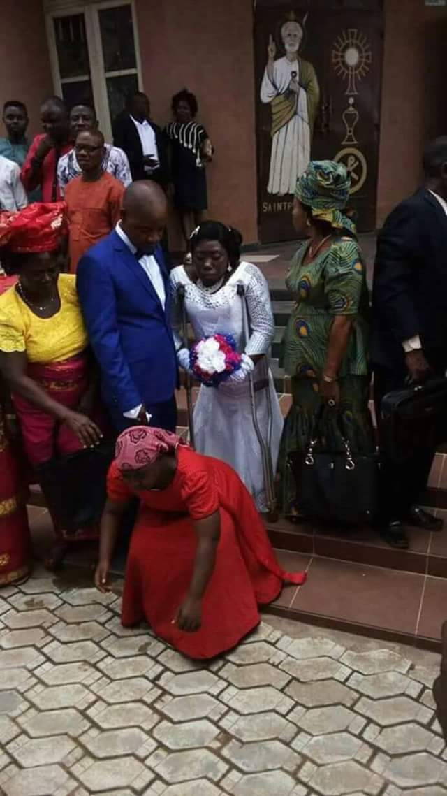 Photos: Physically disabled Nigerian woman and her boo wed
