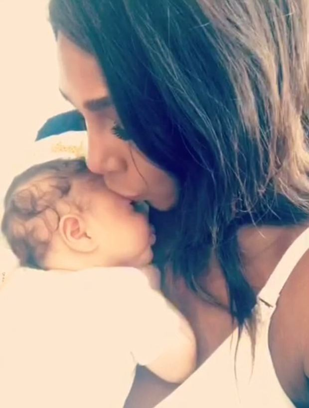 Serena Williams shows off her adorable daughter, Alexis on Snapchat