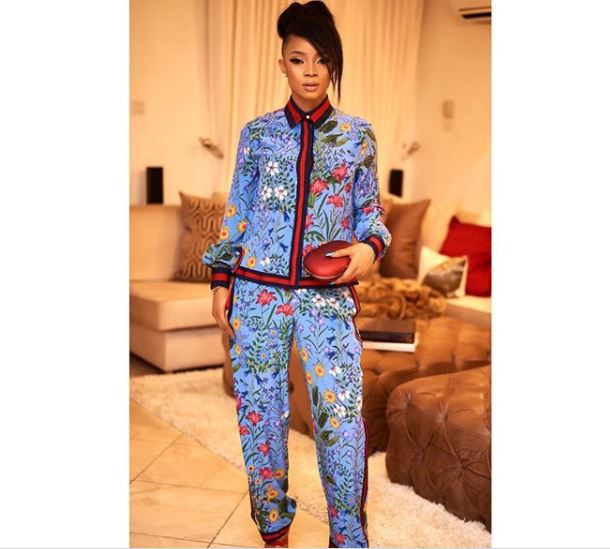 Toke Makinwa stuns in N1.1m Gucci Flora print pajama (Photos)