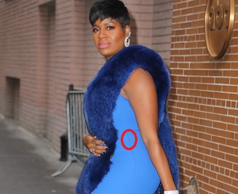 Curvy Singer Fantasia Barrino suffers minor wardrobe malfunction as she rocks stunning jumpsuit (Photos)
