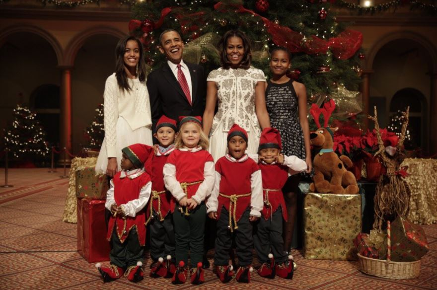 The Obamas wish the world a Merry Christmas?(Photo)
