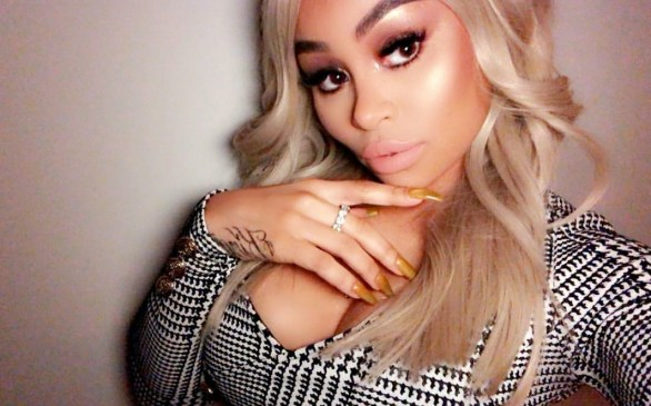 Blac Chyna shows off her hot body in new photos