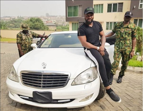 Harrysong buys himself a brand new bulletproof Mercedes Benz (Video)