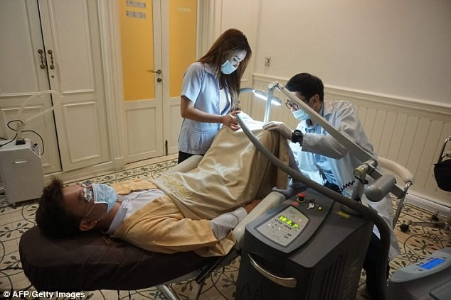New trend! Men are now undergoing Penis Whitening (Photos)