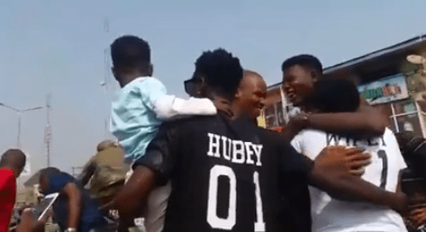 """Lol. Anambra """"big boy"""" shuts down market in the state to propose to his girlfriend of 8-years"""