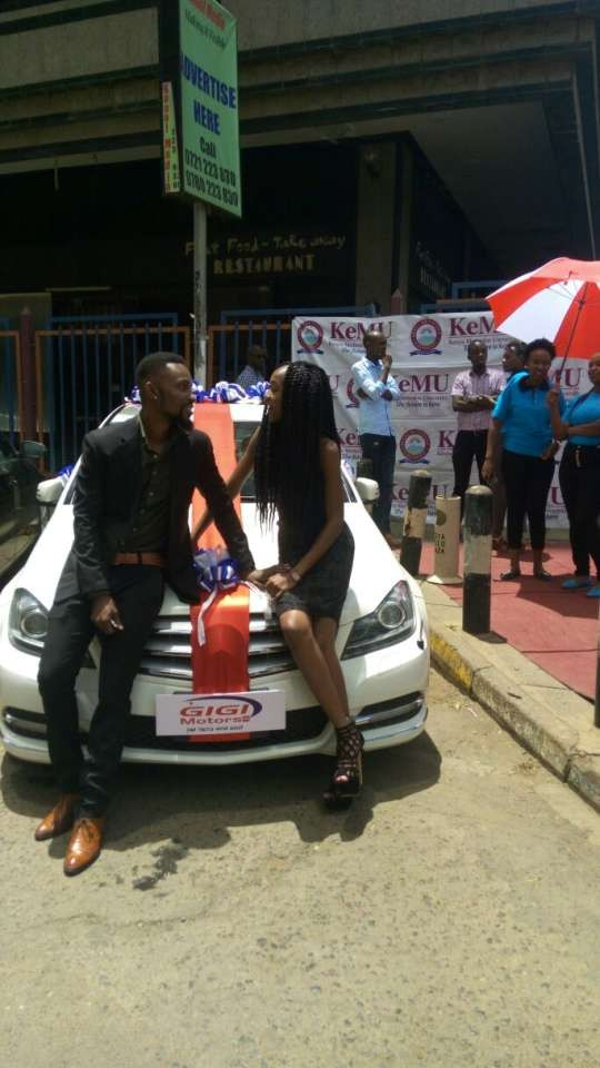 20-year-old girl borrows money from her dad to buy her boyfriend of 4years a brand new Mercedes on Valentine