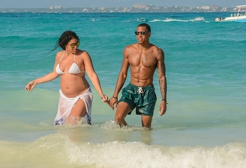 Pregnant Jordin Sparks flaunts her baby bump during vacation in Mexico with husband Dana Isaiah (Photos)