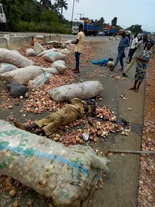 Graphic: 10 Onion traders die in fatal accident along Abuja-Lokoja road