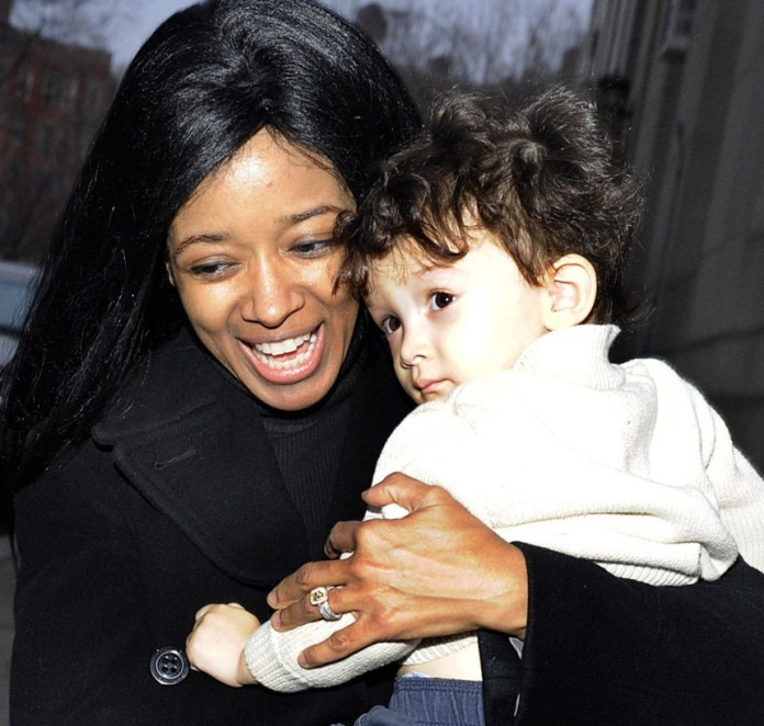 Former Playboy Playmate jumps to her death in murder suicide! She was holding her 7 year old son when she jumped