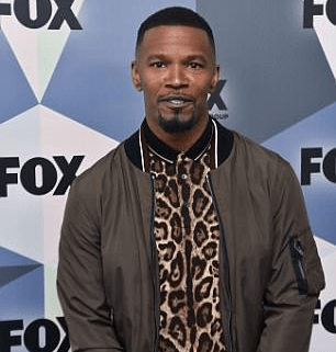 5b20fda53c54c - American Hip Hop Artists Jamie Foxx accused of using his private part to slap a woman's face