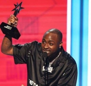 BET Awards:?Davido sends condolence message to Dbanj with his acceptance speech as he wins Best International Act