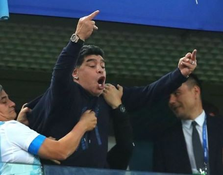 FIFA strips Maradona off?ambassador role for giving Nigerian fans the ?Middle Finger?