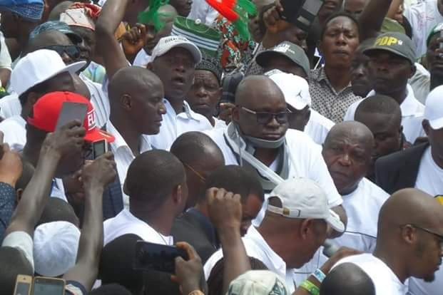 """Photos of """"Injured"""" Governor Fayose addressing Ekiti people at the Government House  Photos:""""Injured"""" Governor Fayose addresses Ekiti people at the Government House 5b4627ea6b46a"""