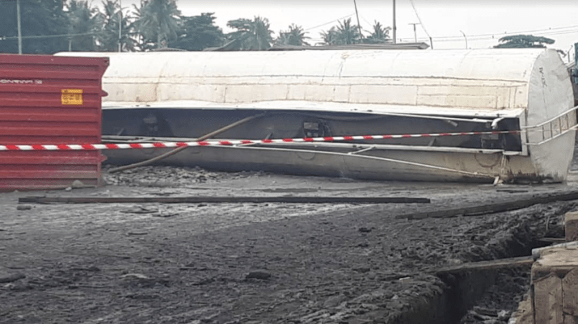 Apapa residents raise alarm as third tanker loaded with petroleum product falls and spills petrol all over