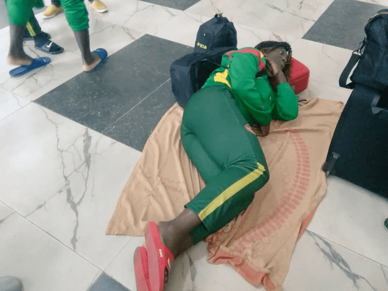 African athletes forced to sleep on the floor at the Lagos airport because there was no flight to Asaba