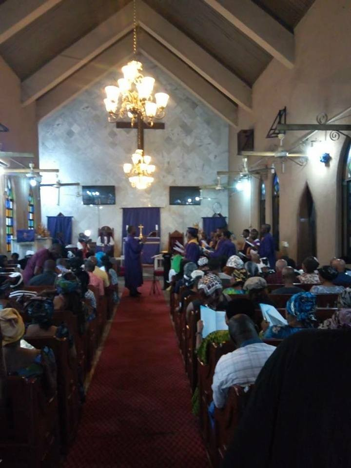 Photos from the service of songs of Joe Blankson, the man who died while rescuing 13 persons in boat mishap in Rivers