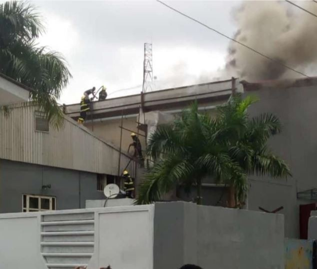 Video:?Fire guts Dream studios in Omole Phase 1 Lagos