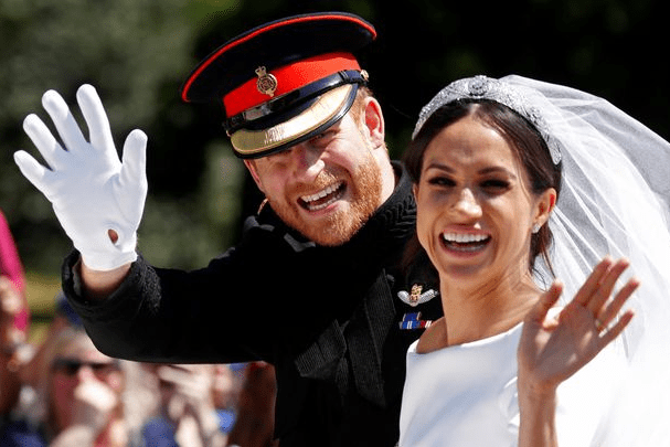 """Meghan Markle feels """"embarrassed"""" by her father"""
