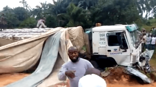 Dangote truck driver crushes young man to death along Umuahia Enugu expressway (graphic photos/video)