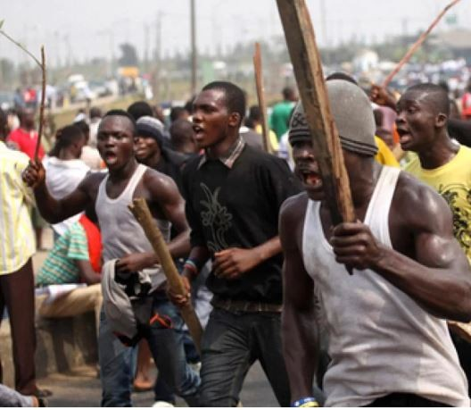 Two people killed and police men injured as suspected cultists, Hausa traders clash in Delta State
