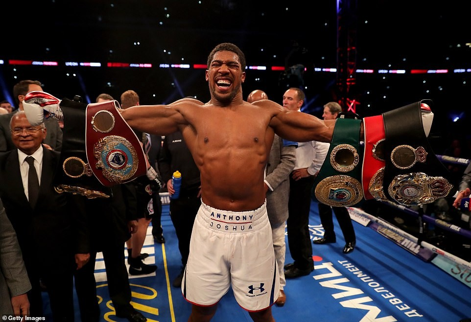 Here are photos from Anthony Joshua and Alexander Povetkin